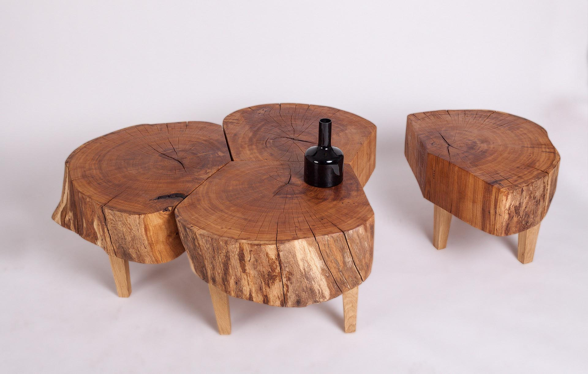 stolek dub