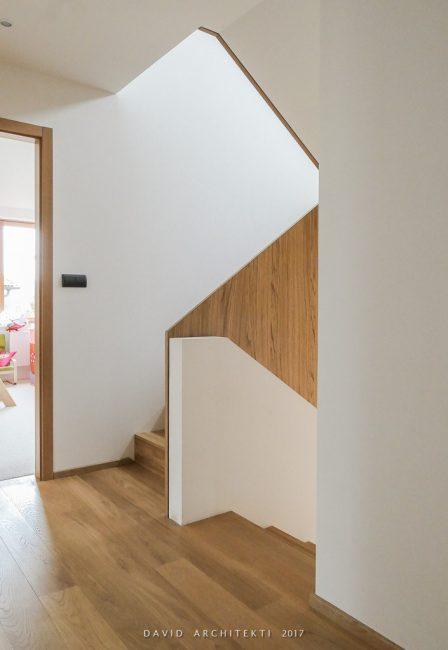 funkcionalistické zábradlí schodiště