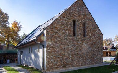 Dům s kamenným štítem, Přestavlky